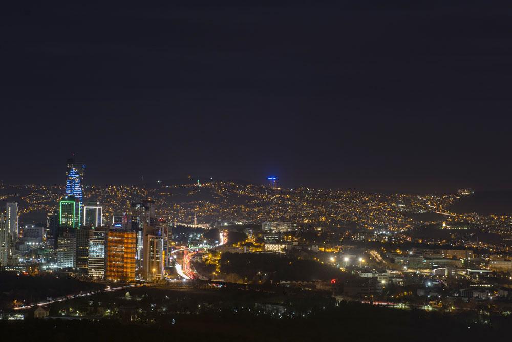 نمای شب 11 پروژه آسمان